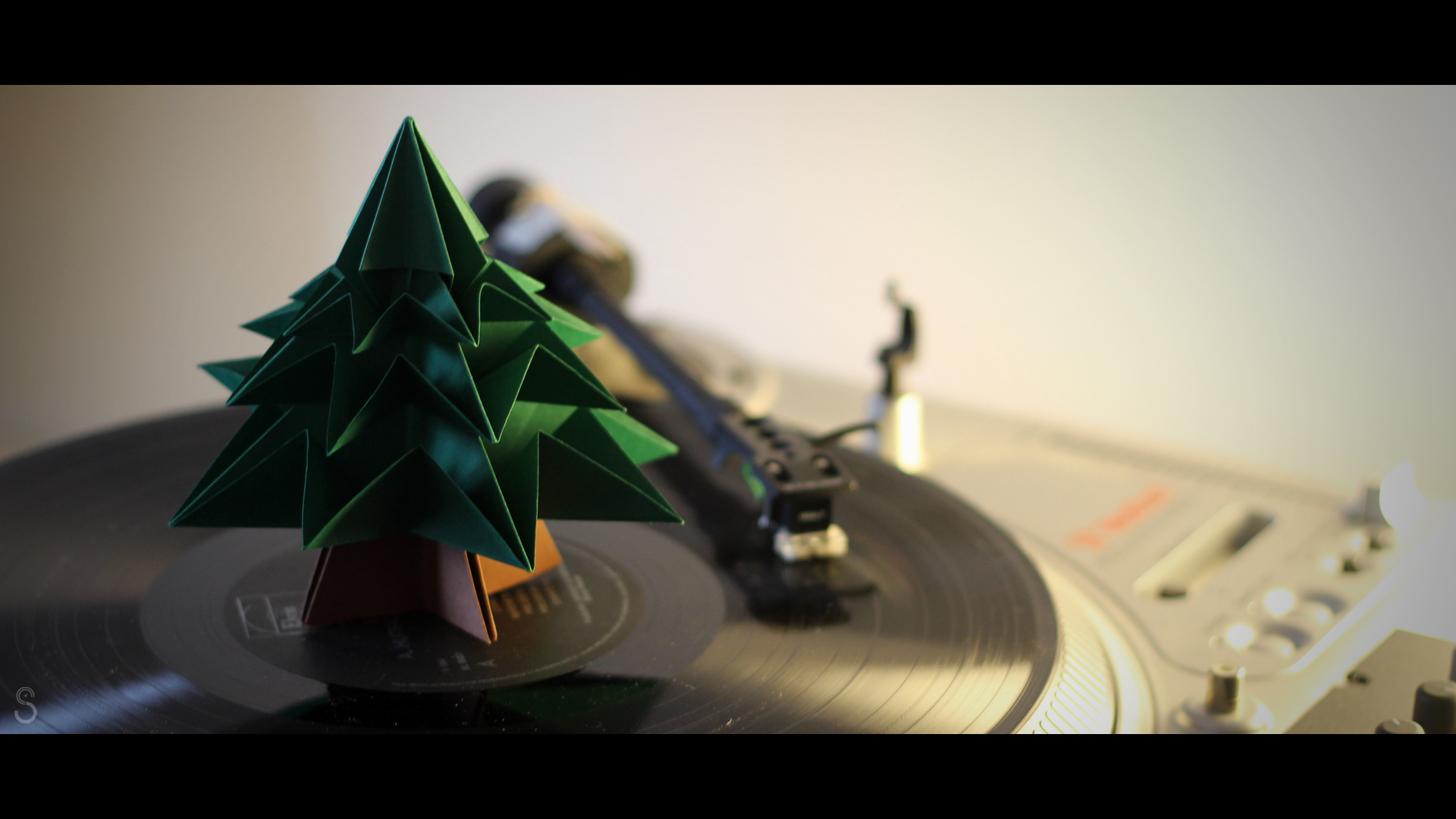 965125-christmas-dj-origami-papercraft-shure-three-turntable-vestax-vinyle-winter
