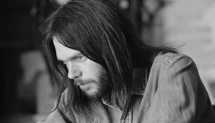 rs-13498-111813-neil-young-1800-1384800642