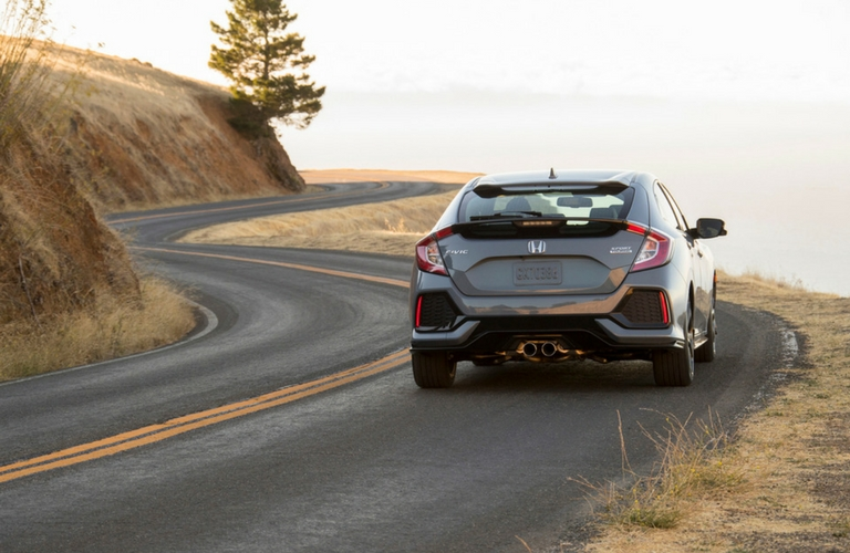 2018-Honda-Civic-Hatchback-E_o
